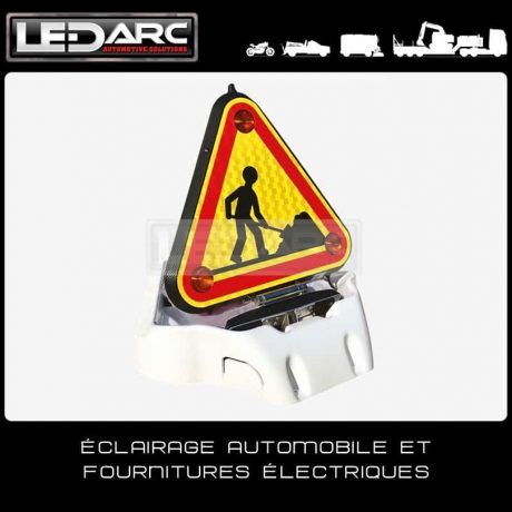 Triflash-Triangle-LED-Double-Face-Balisage-Routier-500mm-TRIE5002-de-LEDARC(10)